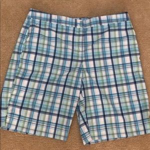Izod Bermuda shorts